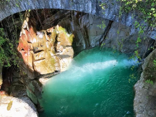 Un posto assolutamente da non perdere sul Lago di Como è l'orrido di Bellano