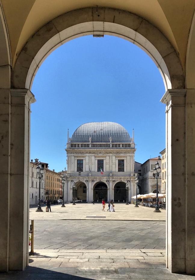 ti porto tra le sue vie e le sue piazze: seguimi per scoprire cosa vedere a Brescia in un giorno!